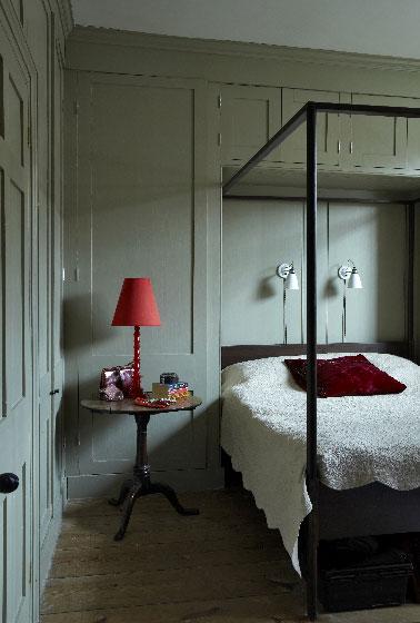Stickers Chambre Bebe Winnie L Ourson : gris et vert cette couleur peinture Farrow & ball enveloppe la chambre