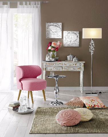 le fauteuil rose blush la tendance d co helline pour le. Black Bedroom Furniture Sets. Home Design Ideas