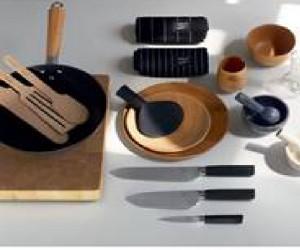 Mortier en marbre, tablier de chef, work, assiettes en bois, des ustensiles de cuisine signés Thierry Marx pour Habitat, une bonne idée cadeaux pour Noël ou toute autre occasion