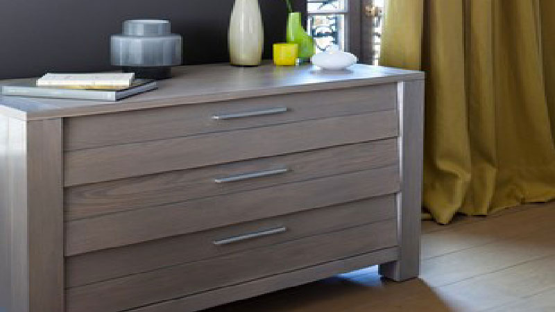 peindre un meuble en bois quelle peinture choisir. Black Bedroom Furniture Sets. Home Design Ideas
