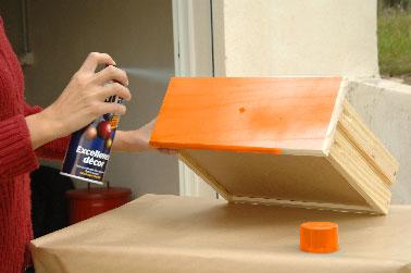 peindre un meuble avec une peinture en bombe c 39 est top. Black Bedroom Furniture Sets. Home Design Ideas