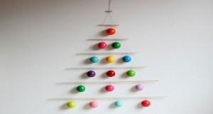 Des idées originale pour fabriquer un sapin de Noël en alternative au sapin naturel avec du bois, des livres et même une échelle