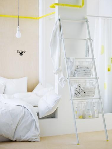Pour petit studio rangement salle de bain capsule ikea for Echelle salle de bain ikea