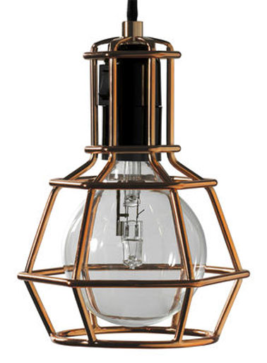 Cette lampe design à suspendre, représente l'esprit de la marque Design House Stockholm. La scandinavie s'invite chez vous.