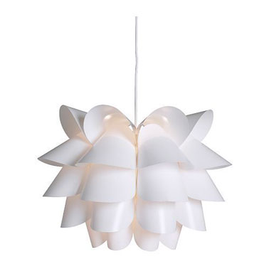 Forme et pureté Lampe design à suspendre   KNAPPA chez Ikea 22,95 €