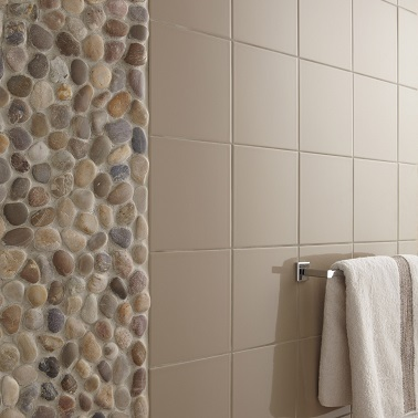 R novation salle de bain en 10 id es d co faciles - Poser du carrelage mural douche ...