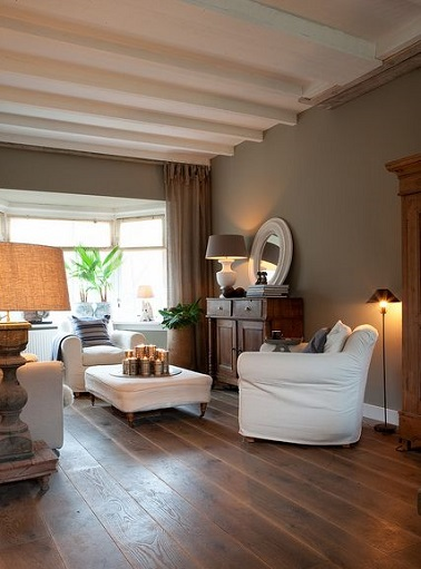 La couleur taupe inspire la d co de la maison d co cool for Decoration maison quelle couleur peindre poutre bois plafond bois