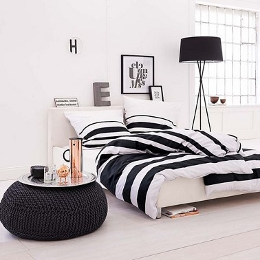 chambre zen duo noir et blanc sophistique. Black Bedroom Furniture Sets. Home Design Ideas