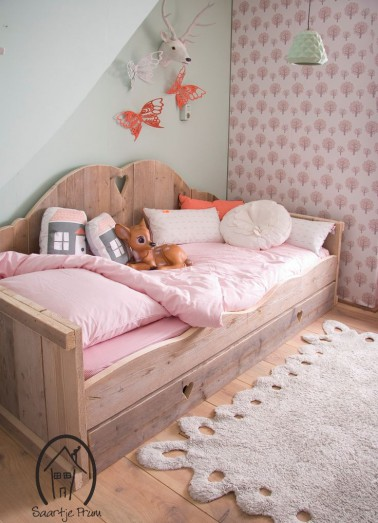 d co chambre fille rose et bois. Black Bedroom Furniture Sets. Home Design Ideas