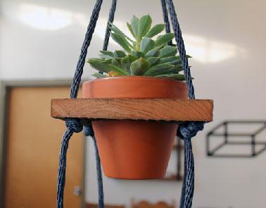 diy d co fabriquer un porte plante original avec 3 fois rien. Black Bedroom Furniture Sets. Home Design Ideas