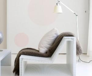 Avec la peinture salon il est possible d'augmenter l'impression d'espace lorsqu'il est petit avec des couleurs adaptées aux petits espaces. Catherine Filoche, styliste couleur pour la peinture Dulux Valentine nous donne ses astuces