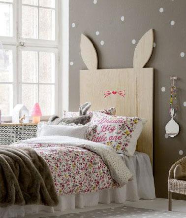 T te de lit bois lapin pour la chambre d 39 une enfant for Decoration pour lit