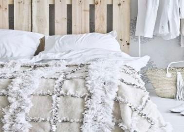 Lit soi m me poser du lambris t te de lit en lambris id - Idee tete de lit pas chere ...