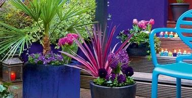 Des jardini res balcon et terrasse prix doux d co cool for Plante exterieur toute saison