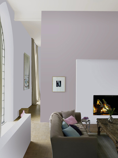 Peinture salon couleur parme et gris taupe d co romantique for Peinture dans salon