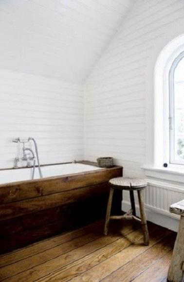 Salle de bain rustique l gante en bois for Deco bois pour salle de bain
