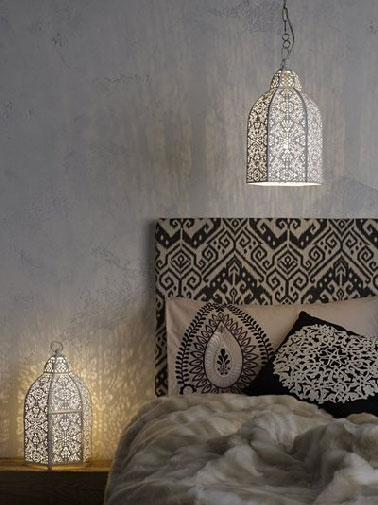t te de lit style marocaine tissu oriental noir et beige dor. Black Bedroom Furniture Sets. Home Design Ideas
