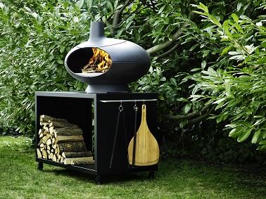 barbecue four bois sur meuble en fonte pour r serve bois. Black Bedroom Furniture Sets. Home Design Ideas