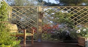 Brise-vue, claustras, canisses et occultants pour un aménagement de la terrasse et du jardin protégés des regards indiscrets et du vent