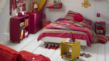 chambre ado fille rose rouge jaune alin a. Black Bedroom Furniture Sets. Home Design Ideas