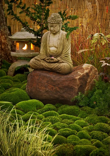 D co d 39 un jardin zen et l 39 indispensable statue bouddha for Decoration pour jardin zen