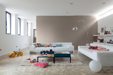 Peinture salon mat beige et blanc d colab lessivable v33 for Peinture salon blanc