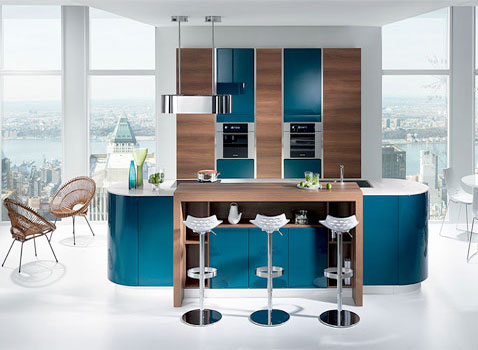 am nager une cuisine ouverte bleu canard avec bar. Black Bedroom Furniture Sets. Home Design Ideas