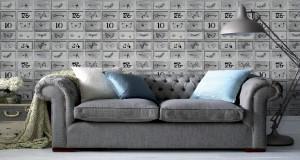 Pour poser un papier peint intissé pas besoin de table à tapisser, on encolle le mur et présente le rouleau directement sans couper de lé au préalable