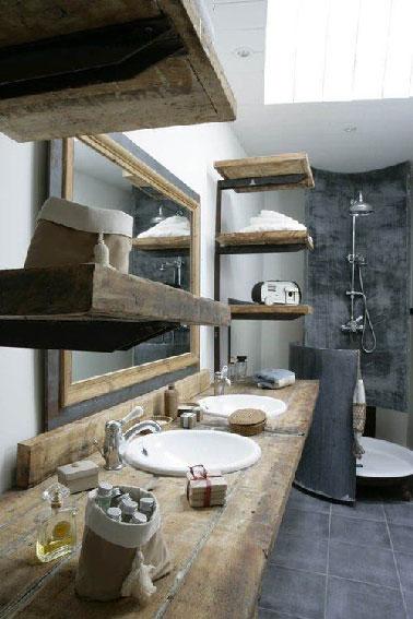 Salle de bain grise plan vasque en bois for Plan vasque bois salle de bain