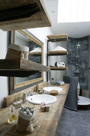 Salle de bain grise plan vasque en bois for Plan bois salle de bain
