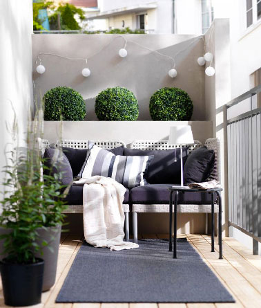 d co petit balcon en ville am nag comme un grand. Black Bedroom Furniture Sets. Home Design Ideas