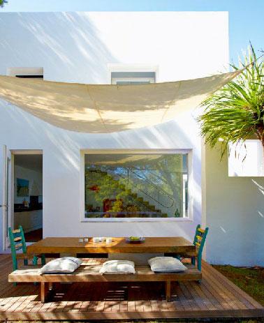 D co terrasse en bois d 39 une maison design for Casa mobilier de jardin