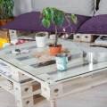 Un nouveau concept de meubles en palette imaginé par l'entreprise française Pal Id qui récupère des palettes afin de fabriquer des meubles entièrement modulables grâce à un système de vis en bois inspiré du Mécano.