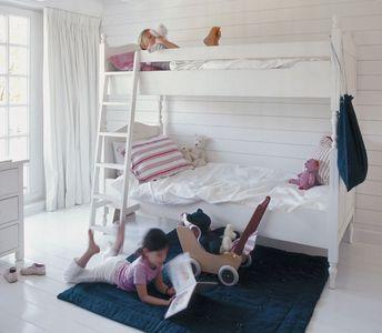 Peinture teinte Cygne Blanc Tollens inspirée par Flamant dans chambre enfant collection 2015