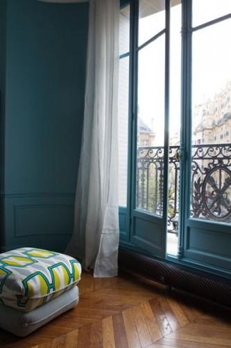 Salon Peinture teinte bleu de prusse Tollens collection Mise en Teinte disponible dans tous les magasins Castorama