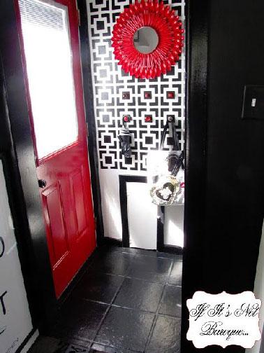 Rouge et noir pour une d co d 39 entr e moderne for Decoration porte rouge