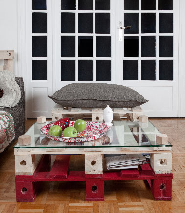 table basse 2 palettes rouge et bois vernis pal id. Black Bedroom Furniture Sets. Home Design Ideas