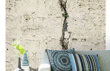 lé unique de papier peint en trompe l'oeil de mur fissuré Scenolia