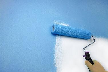 Nos conseils peinture et résine pour peindre du carrelage mur et sol salle de bain et mode d'emploi pour bien faire et calculer le prix refaire sa salle de bain.