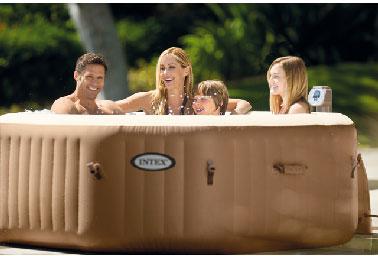 Dans un spa gonflable, toute la famille peut profiter de l'eau pour se rafraichir, même les jeunes enfants accompagnés. Avec 70 cm en moyenne de profondeur, et 4 places assises, le plaisir peut durer du spa est assurée en toute sécurité