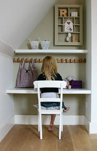 Am nager un bureau pour enfant avec tag re for Bureau de coin