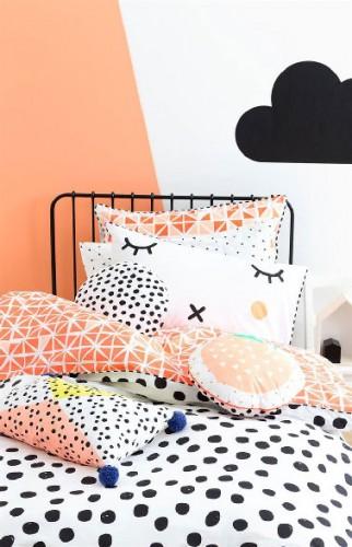 Peinture chambre fille 2 couleurs saumon et blanc for Peindre chambre 2 couleurs