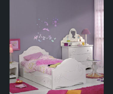 peinture chambre petite fille rose et violet. Black Bedroom Furniture Sets. Home Design Ideas