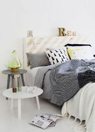 t te de lit palette peinte en blanc. Black Bedroom Furniture Sets. Home Design Ideas