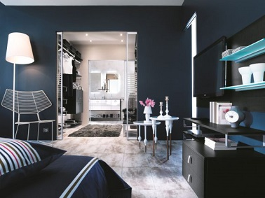 peinture bleu marine pour une suite parentale de r ve. Black Bedroom Furniture Sets. Home Design Ideas