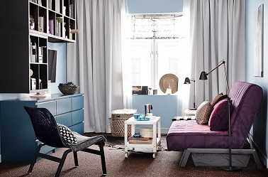 un petit salon ikea moderne avec meubles astucieux. Black Bedroom Furniture Sets. Home Design Ideas