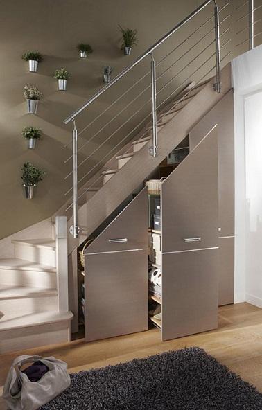 Placard coulissant sous escalier Massar