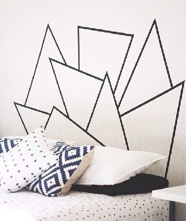 t te de lit motifs g om triques masking tape. Black Bedroom Furniture Sets. Home Design Ideas