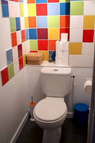 Wc d co id e couleurs pour le carrelage for Decorer ses toilettes