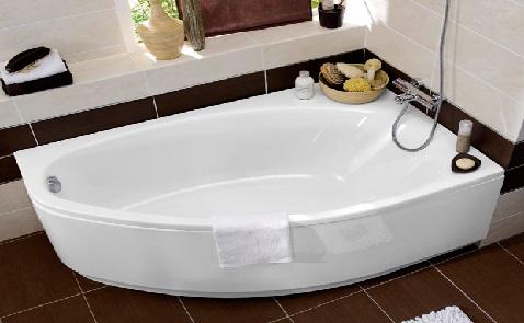La forme amande de cette baignoire est parfaite pour être posée dans une salle de bain exiguë et design.